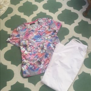 Koi med floral scrub top perfect condition